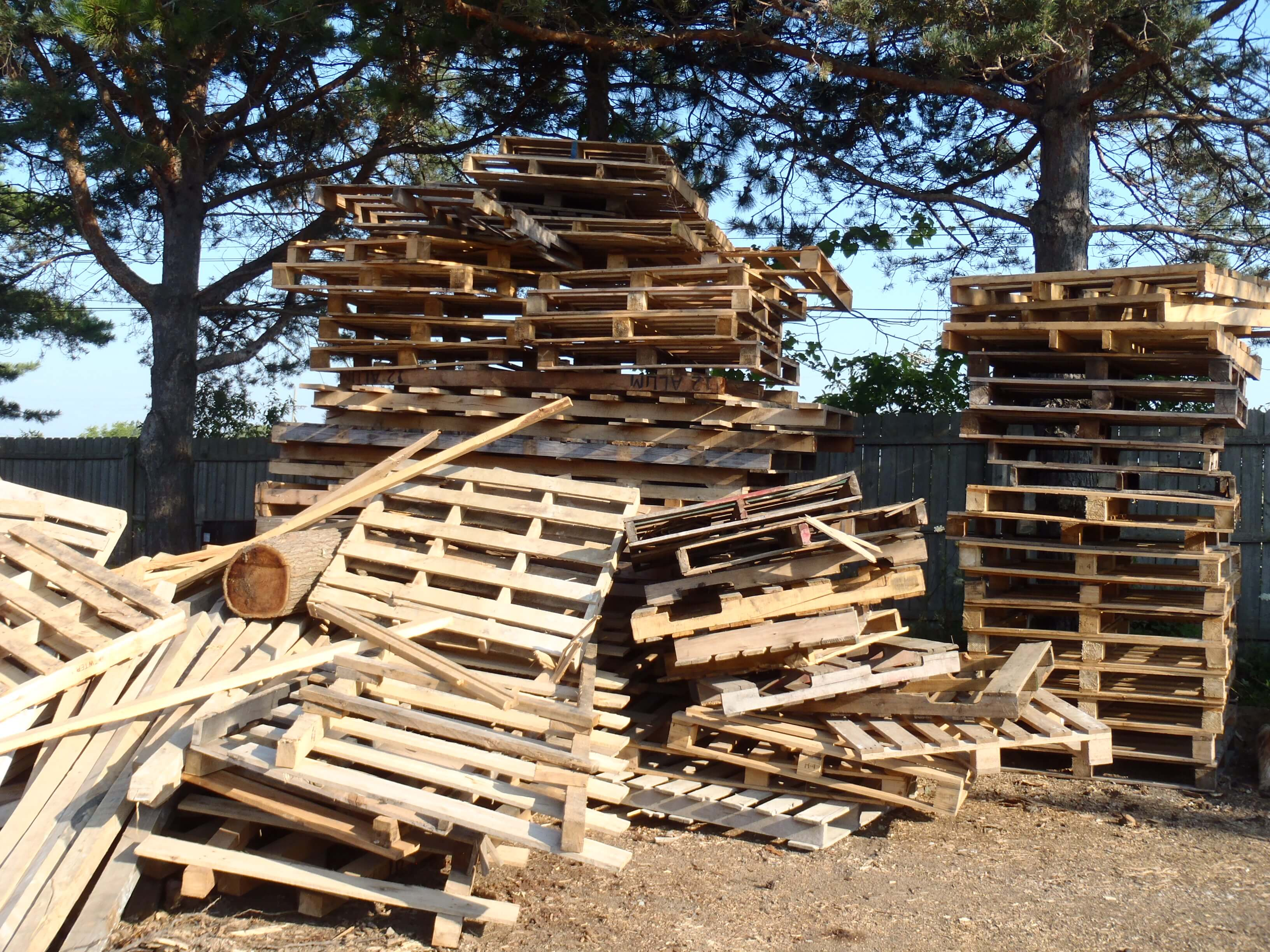 pallet recycling michigan