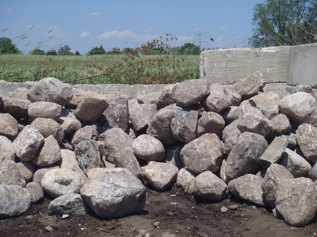 Boulders (1'-2') - Landscape Supply, Soil, Stone, Gravel - Hacker Services, Northville
